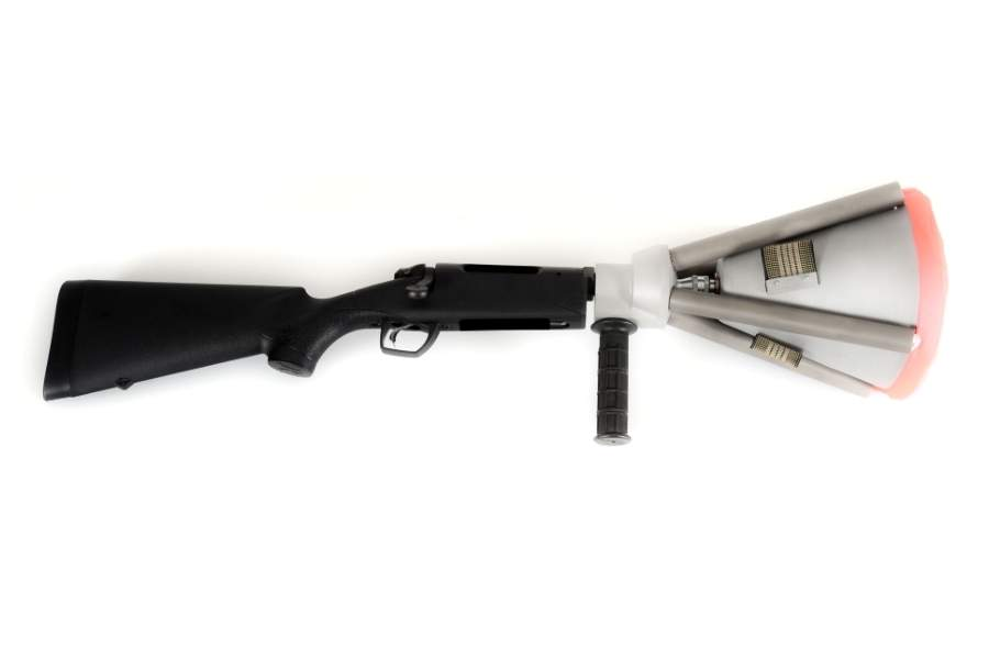 Handheld canister-switch net gun with long stock, right side